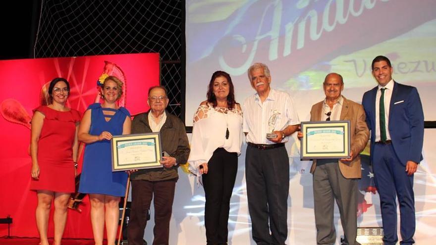 """En 2018 los Premios Amador recayeron en Juan Ramón Padrón """"el médico"""" y en la Asociación Civil Amigos del Garoé, respectivamente."""