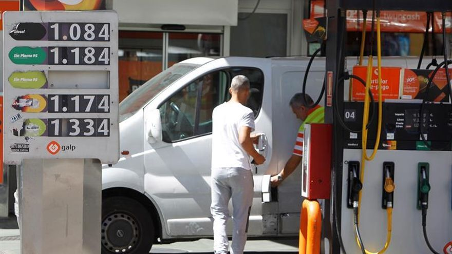 La gasolina y el gasóleo suben ligeramente en la última semana