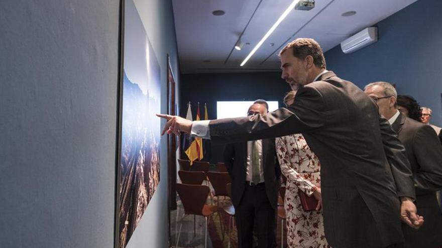 El Rey dice que yacimiento de Risco Caído merece ser Patrimonio de la UNESCO