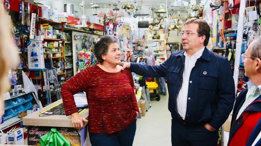 El  candidato del PSOE a la Presidencia de la Junta de Extremadura, Guillermo Fernández Vara, en Llerena
