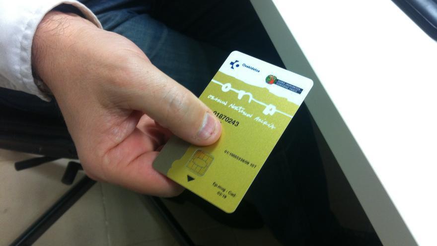 Los inmigrantes 'sin papeles' no tienen acceso a la tarjeta sanitaria.