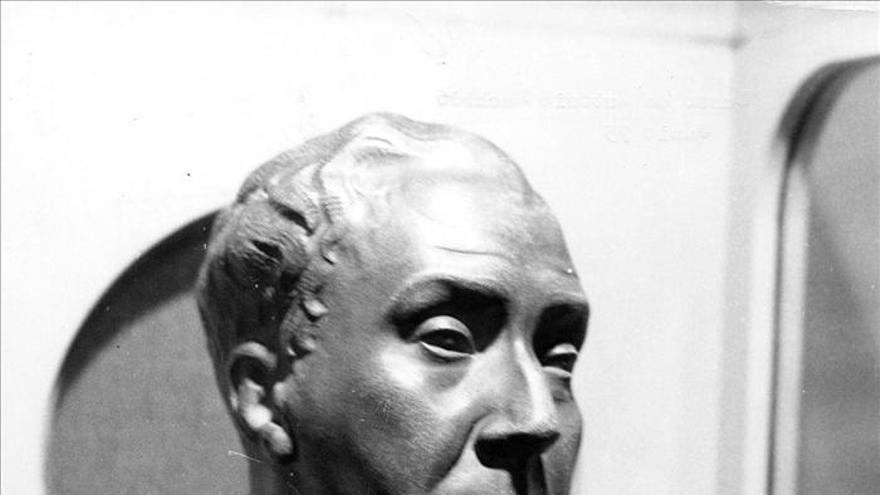 Busto del poeta sevillano elaborado por Antonio Barral