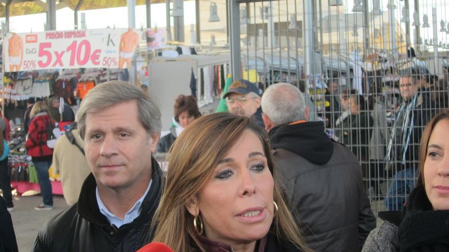 """Camacho ve a Mas """"sometido"""" a Junqueras y defiende el peso del PP ante el auge de C's"""