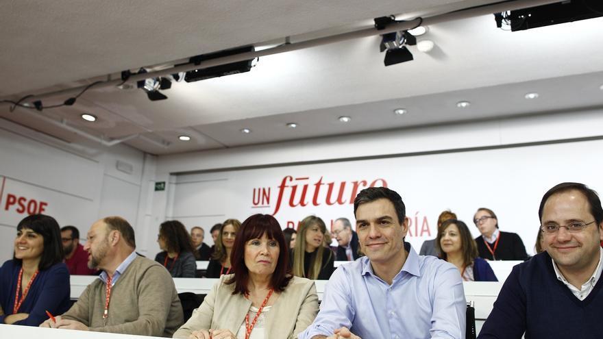 Pedro Sánchez mantendrá ante el Comité Federal del PSOE el 'no' a Rajoy y defenderá sus contactos con Podemos y C's