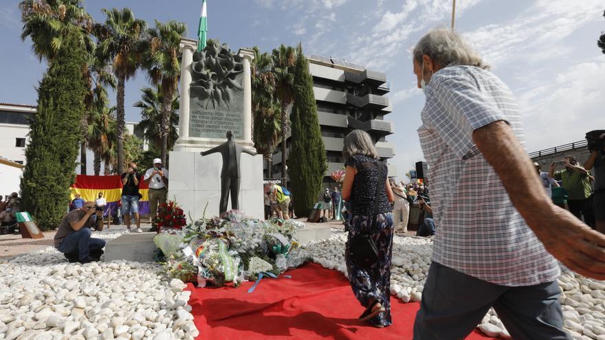 Ofrenda floral este martes en Sevilla en el acto organizado por la Fundación Blas Infante en el homenaje al padre de la Patria andaluza en el 85 aniversario de su fusilamiento.