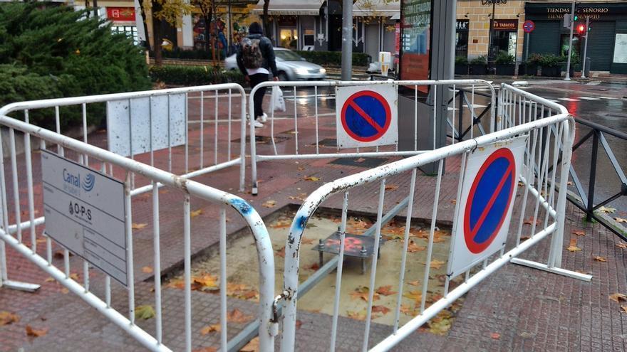 Obras de instalación de la bandera en la plaza de Chamberí | SOMOS CHAMBERÍ