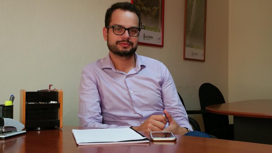 Jordi Pérez es el consejero más joven del Cabildo de La Palma. Foto: LUZ RODRÍGUEZ.