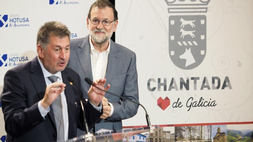 El expresidente del Gobierno, Mariano Rajoy y el presidente del grupo hotelero, Amancio López Seijas, durante los actos del 40º aniversario del grupo hotelero Hotusa.