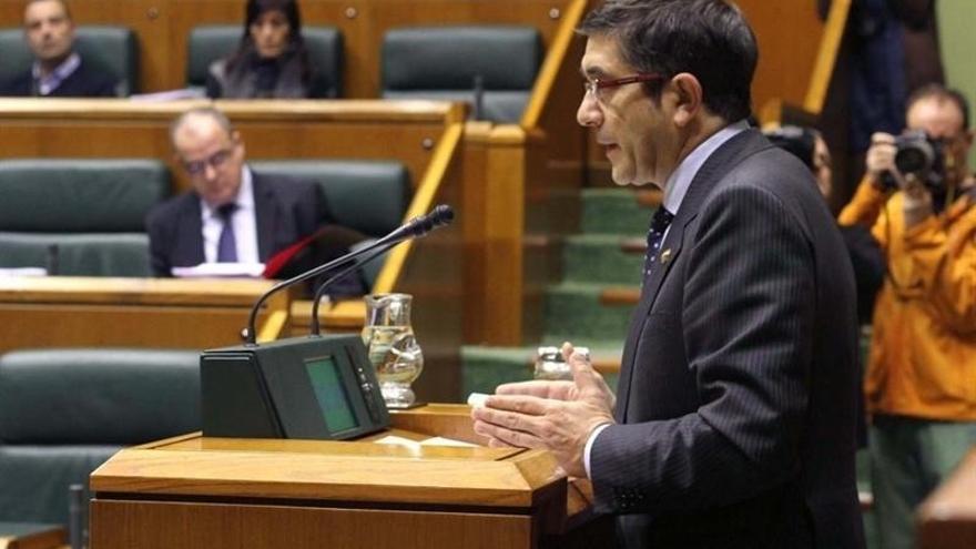 """López dice que echará de menos a Basagoiti y que su marcha es """"una pérdida para la política vasca"""""""