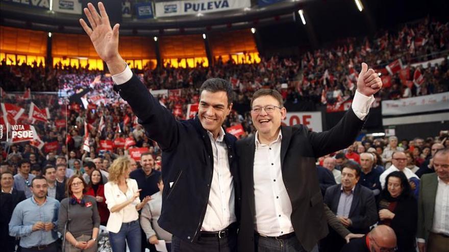 """Sánchez agradece el """"frente antiPSOE"""" porque le refuerza como el cambio"""