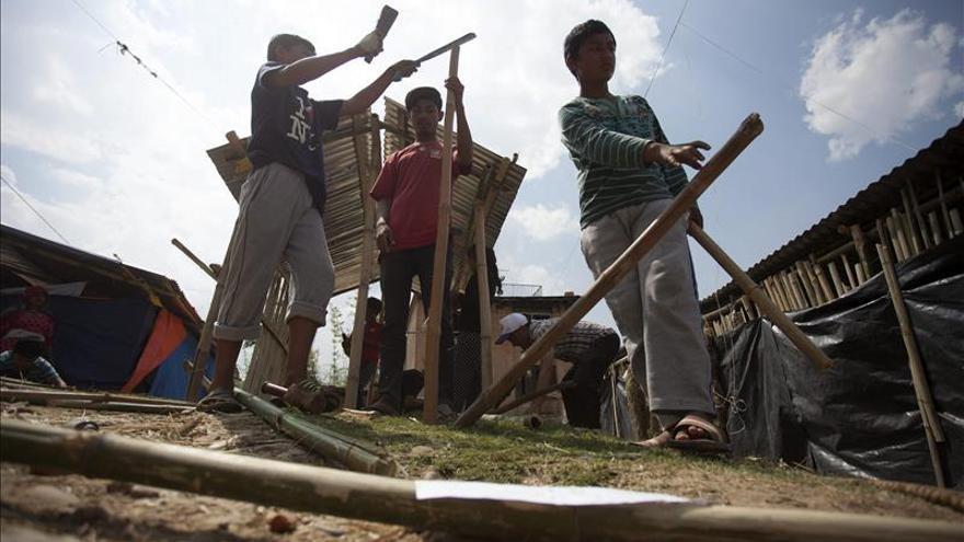 Oxfam y Save The Children exigen al Gobierno un mayor compromiso con Nepal