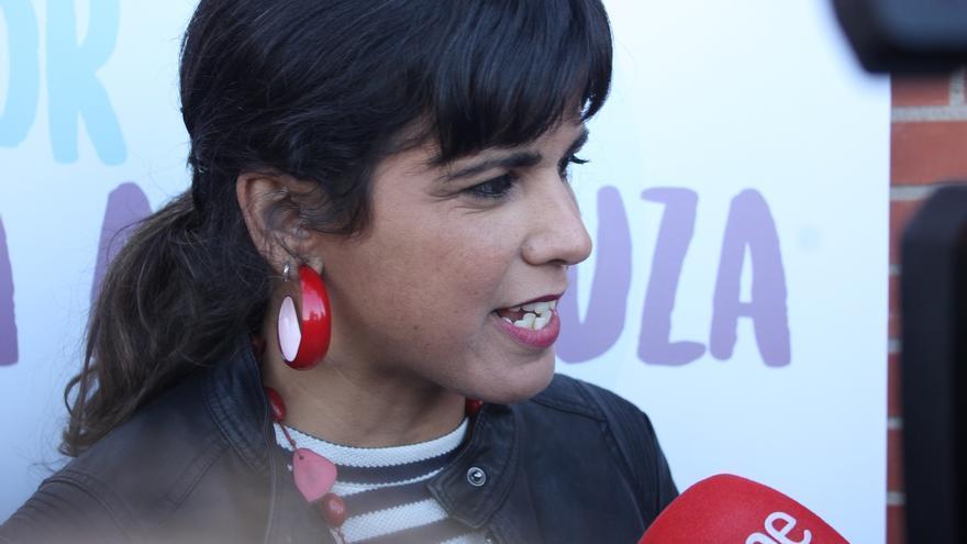 """Teresa Rodríguez cree que al PSOE """"le conviene hablar de ETA"""" para """"ocultar la vergüenza"""" de dejar gobernar al PP"""