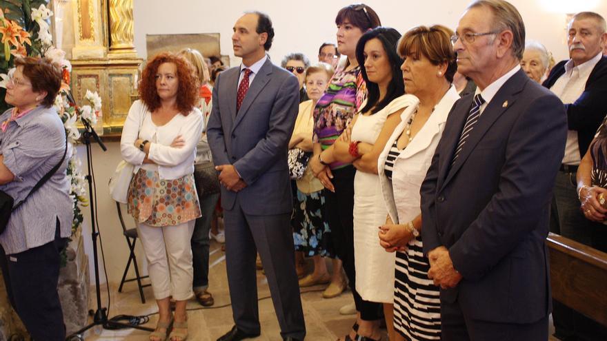 Jesús Ángel Pachecho, en primer término, junto al presidente de Cantabria y del PP, Ignacio Diego, durante la celebración en 2010 de la Virgen de Valencia en Vioño de Piélagos.