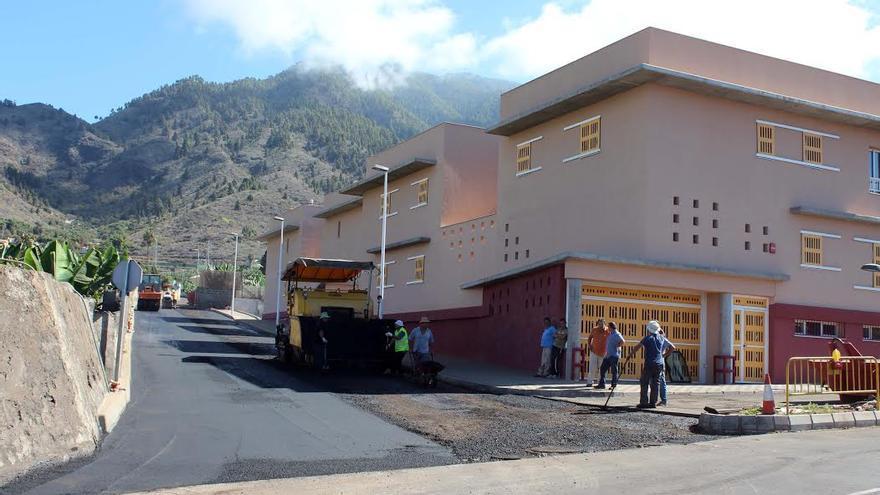 En la imagen, obras de asfaltado en un tramo del Camino Sargento.