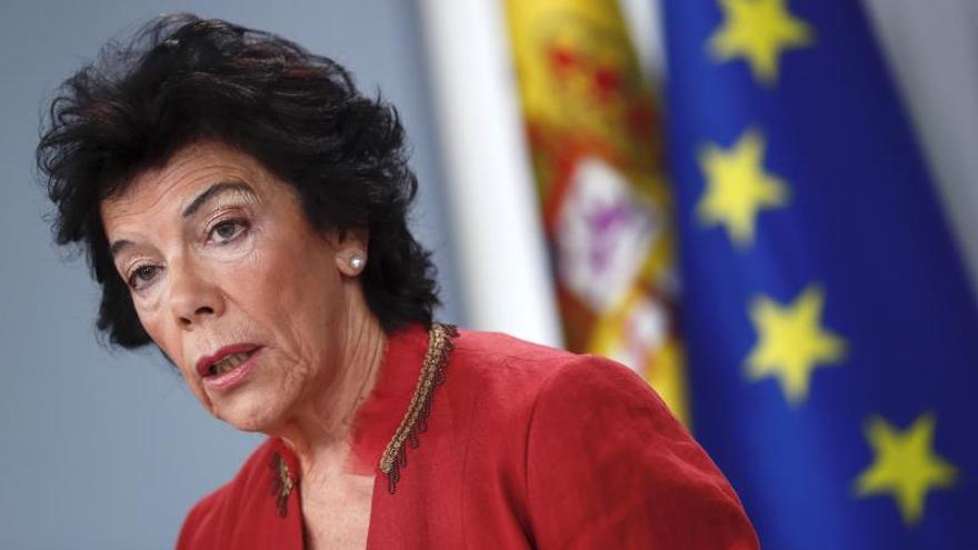 La portavoz del Gobierno, Isabel Celaá, durante la rueda de prensa este viernes tras la reunión del Consejo de Ministros.
