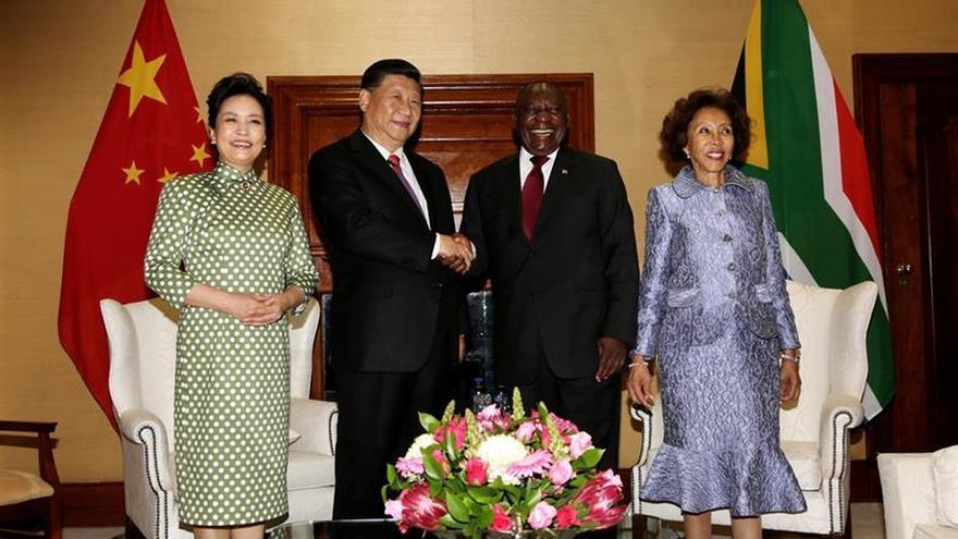 China acuerda inversiones por 14.700 millones de dólares en Sudáfrica
