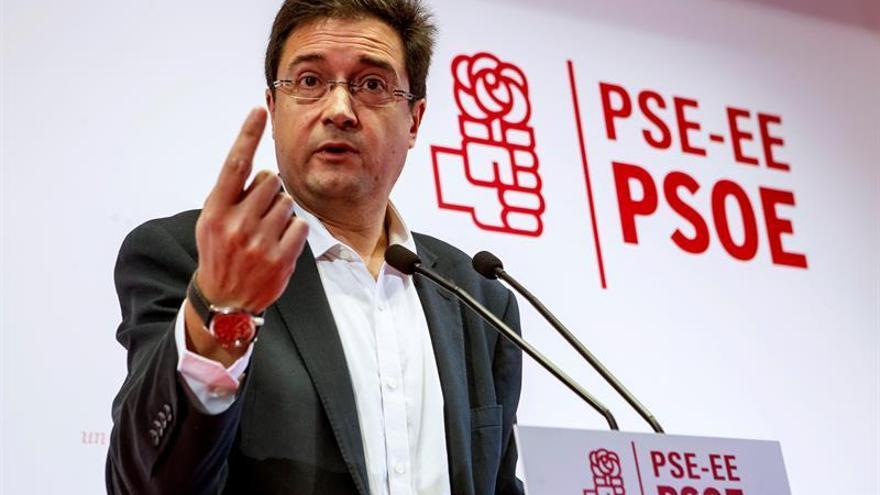 """López afirma que el PSOE """"nunca y en ningún caso"""" se abstendrá para que gobierne Rajoy"""