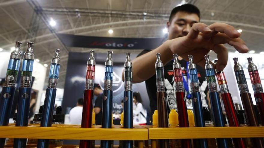 Canadá regulará la industria de los cigarrillos electrónicos