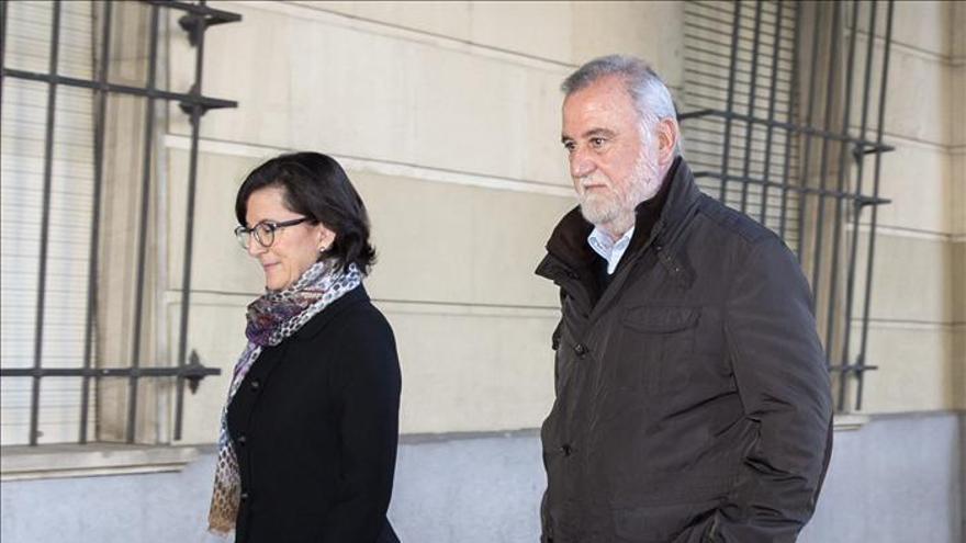 """Torrijos niega cualquier delito y se defenderá del """"tsunami"""" judicial"""