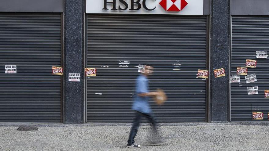 El HSBC planea la supresión de 10.000 puestos de trabajo, según la prensa