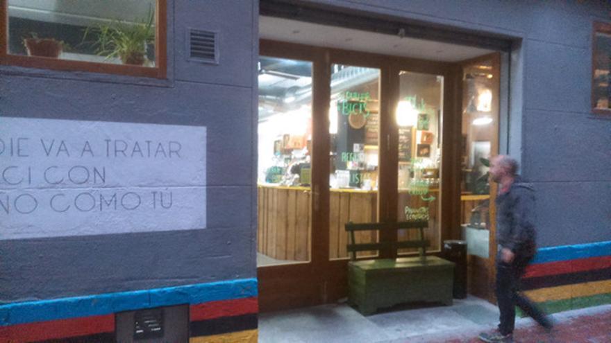 Entrada al bar y taller de bicicletas La Ciclería. FOTO: MARIANA VILNITZKY