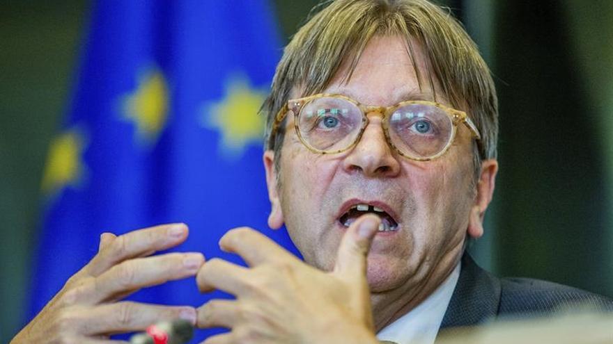 El líder de los liberales europeos apuesta por un Estado federal en España