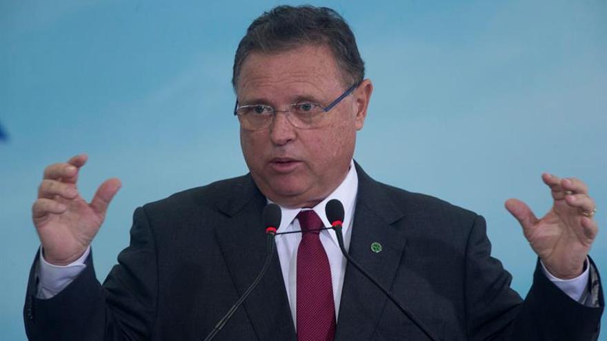 El GPS de una avioneta con cocaína dice que no salió de la finca de un ministro brasileño