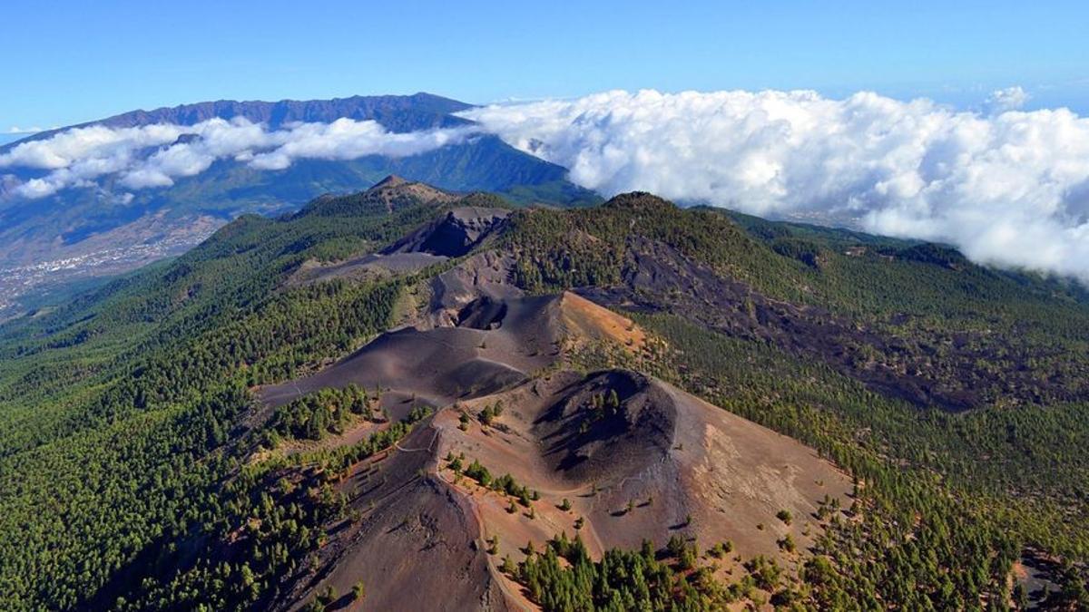Dorsal del edificio volcánico de Cumbre Vieja.