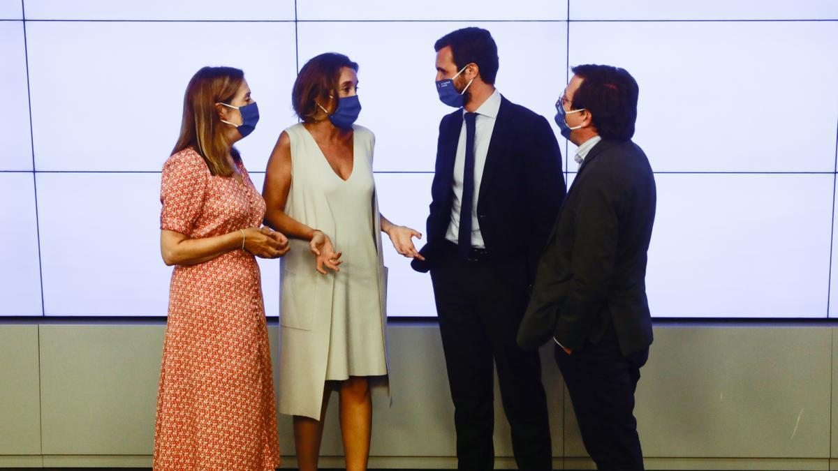Ana Pastor, Cuca Gamarra, Pablo Casado y José Luis Martínez-Almeida, en la Junta Directiva Nacional del PP. / Ricardo Rubio / Europa Press