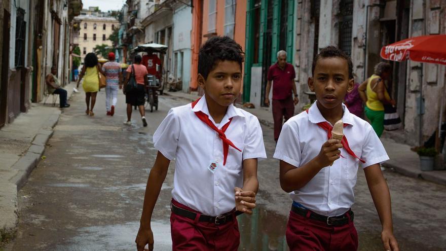 Niños en las calles de La Habana. Capture the Atlas