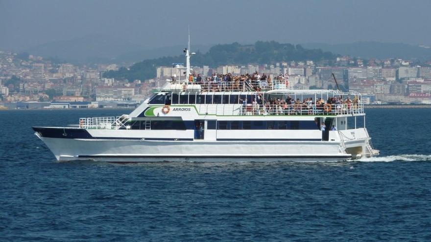 Turistas a bordo de un barco de una de las navieras denunciadas, Mar de Ons