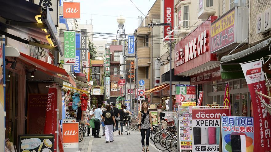 Calles repletas de comercios en el barrio tokiota de Shimokitazawa. Stephen Kelly