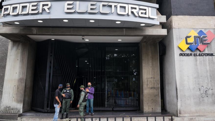 Tres chavistas y dos opositores, nuevos rectores del ente electoral venezolano