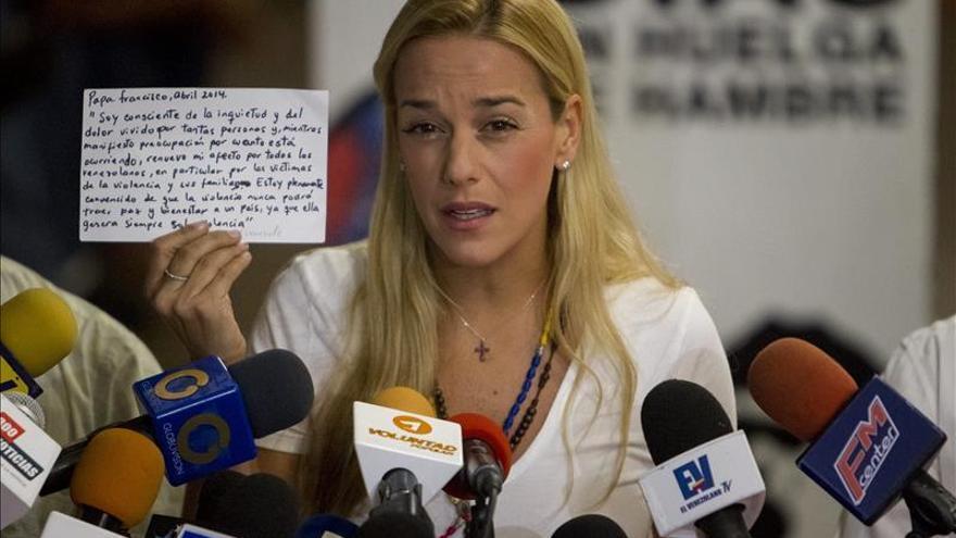 Tintori denuncia un intento de matarla en el momento de la muerte del opositor