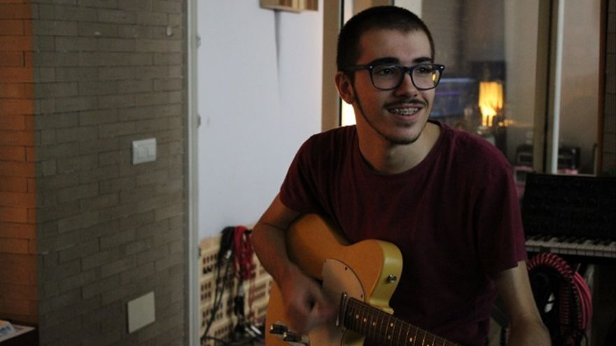 El cantautor cartaginés Guille Solano