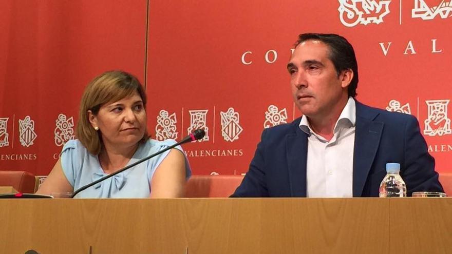 Isabel Bonig junto a Rubén Ibáñez en rueda de prensa