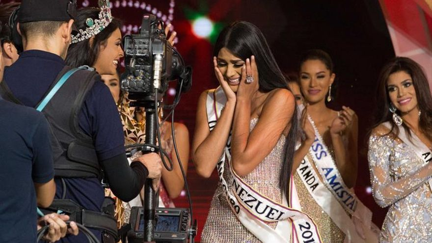 La morena Sthefany Gutiérrez gana la corona del Miss Venezuela 2017