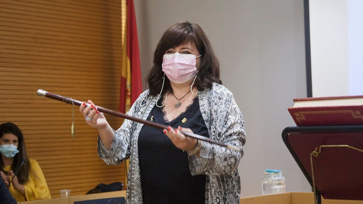 Teresa Bueso, durante el pleno municipal de toma de posesión en Godella.