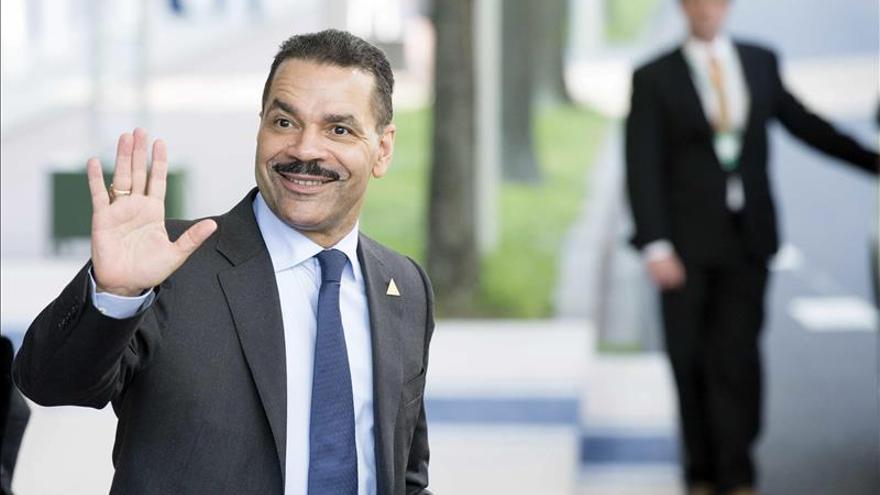 Noble se despide como secretario general de Interpol, sustituido por Stock
