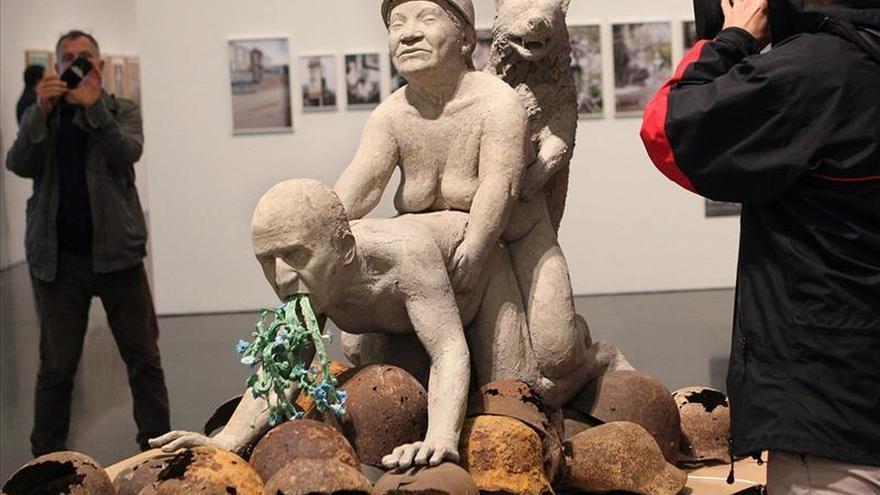 """Abre al público en el MACBA la polémica exposición """"La bestia y el soberano"""""""