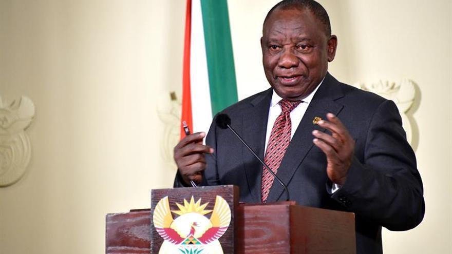 Presidente sudafricano llevará a tribunales acusaciones contra él por mentir