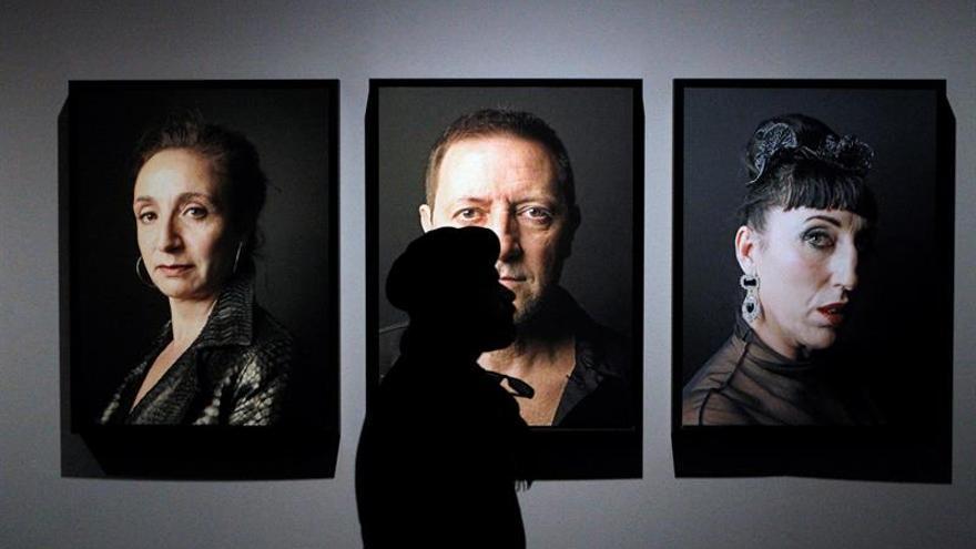 Una exposición de fotos recoge el paso del tiempo de artistas de los 80 a hoy