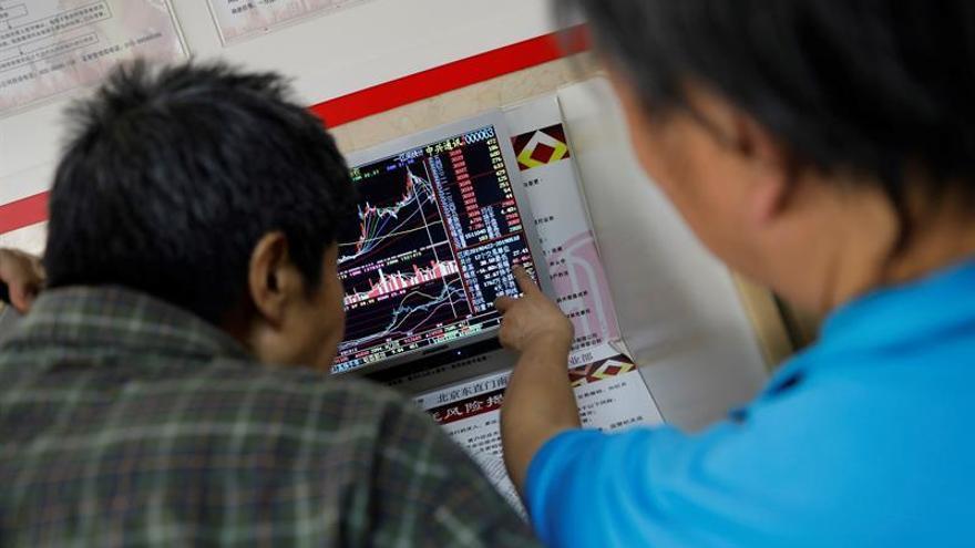 La Bolsa de Shanghái comienza la sesión con una bajada del 0,17 %