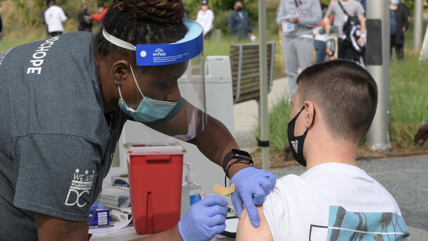 Estados Unidos acumula 599.768 muertos y 33.461.572 contagios por covid-19