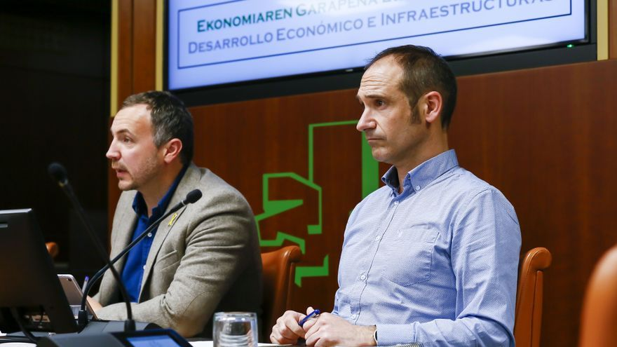El director de Hazi, Asier Arrese, en el Parlamento Vasco
