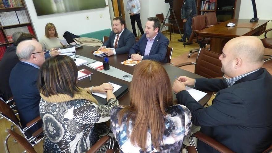 C's propone al PRC-PSOE mantener los impuestos o incluso bajarlos