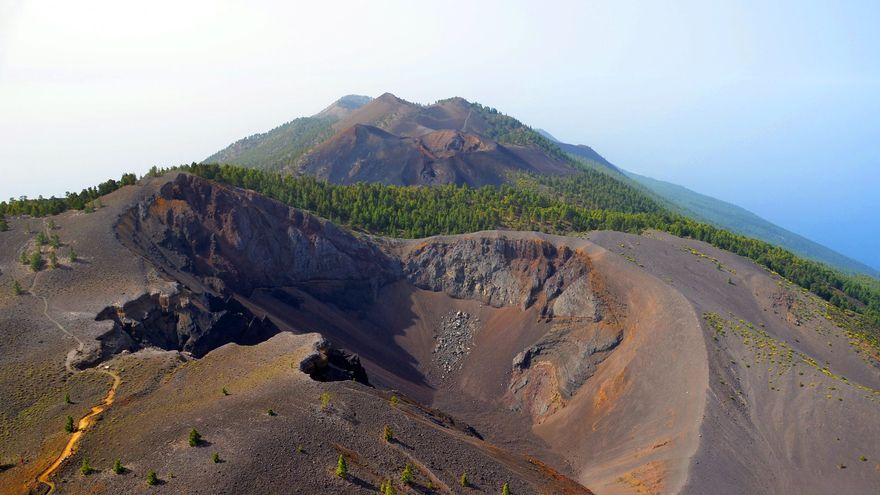 En la imagen, serie de cráteres en el sur de La Palma. Foto: INVOLCAN.