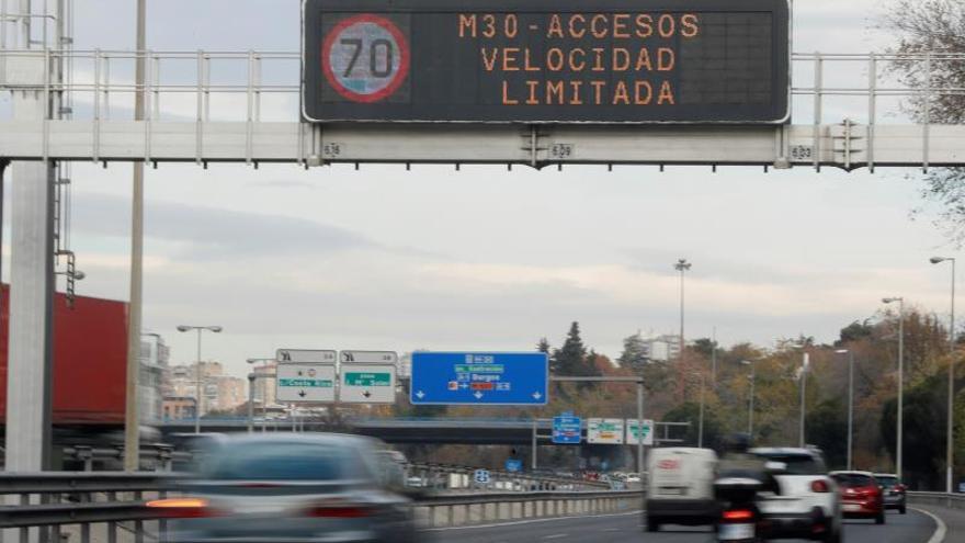 La venta de coches de gasolina y diésel debería prohibirse para 2032, según un informe