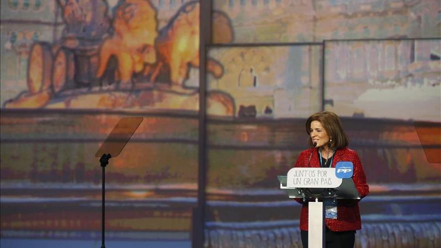 Botella anuncia otra rebaja fiscal por el superávit de 1.389 millones en 2014