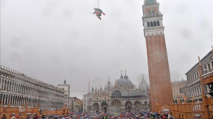 """El """"Vuelo del Águila"""" en San Marcos protagoniza el Carnaval de Venecia"""
